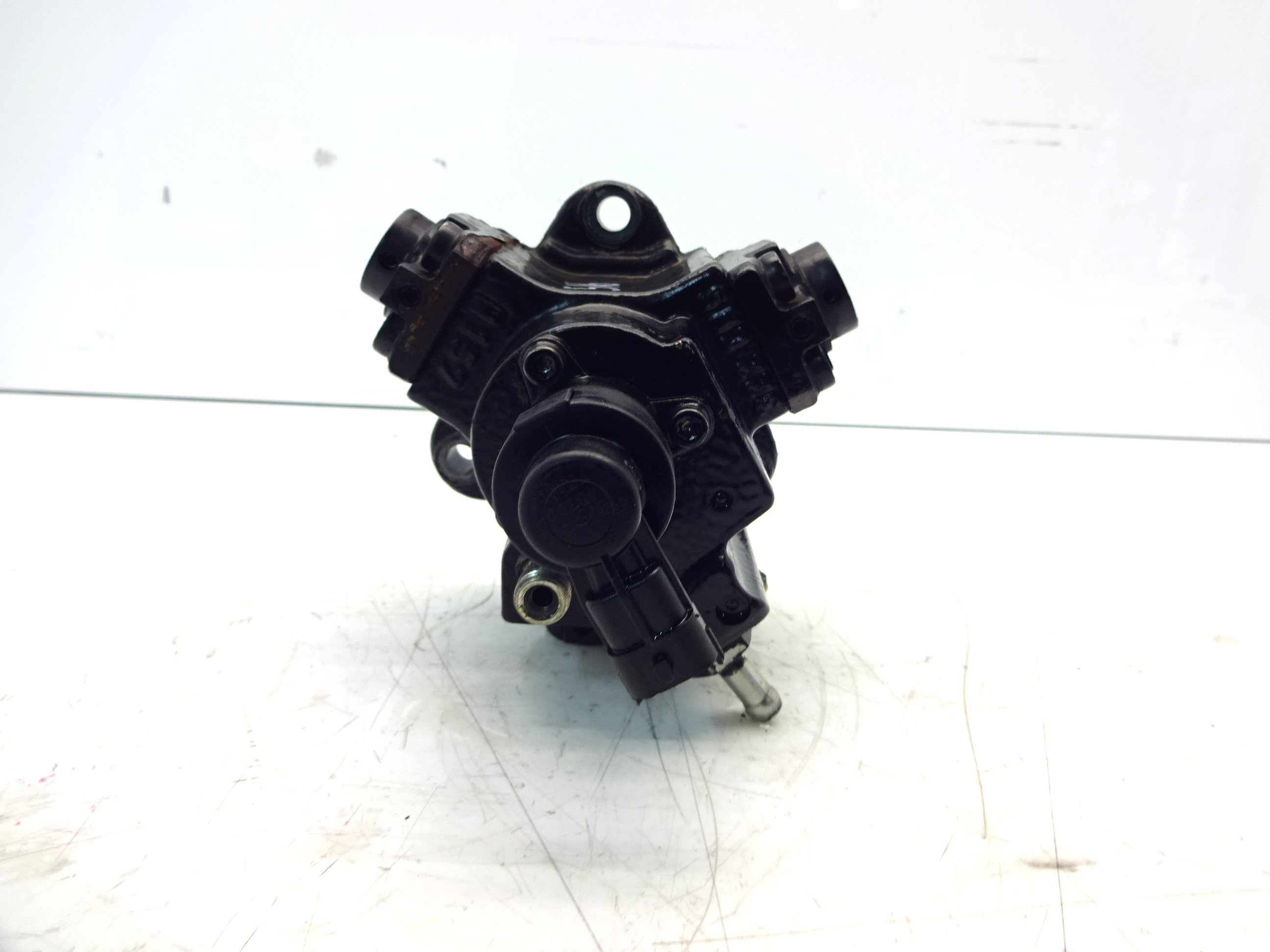 Hochdruckpumpe Cadillac Opel Saab Zafira 9-3 9-5 1,9 CDTI Z19DTH 55209064