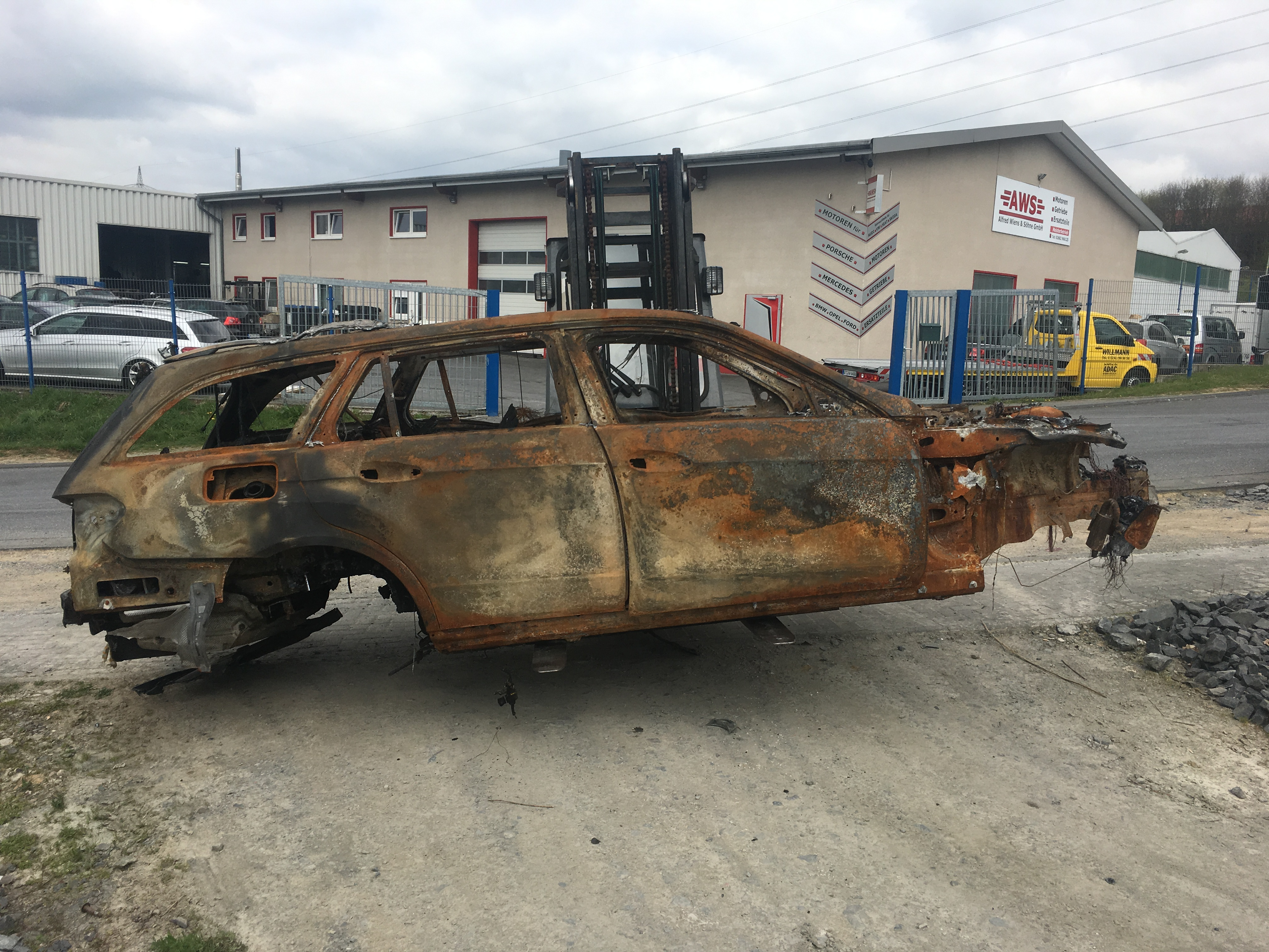 2010 body Body fire damage Mercedes Benz S212 E350 3.0 CDI 642.856 SCRAP