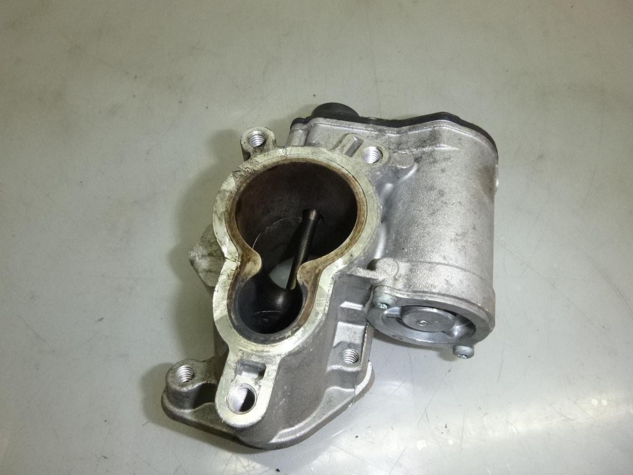 AGR Ventil für Nissan Opel Trafic JL FL EL 2,0 CDTI M9R780 M9R 8200327011 DE275657