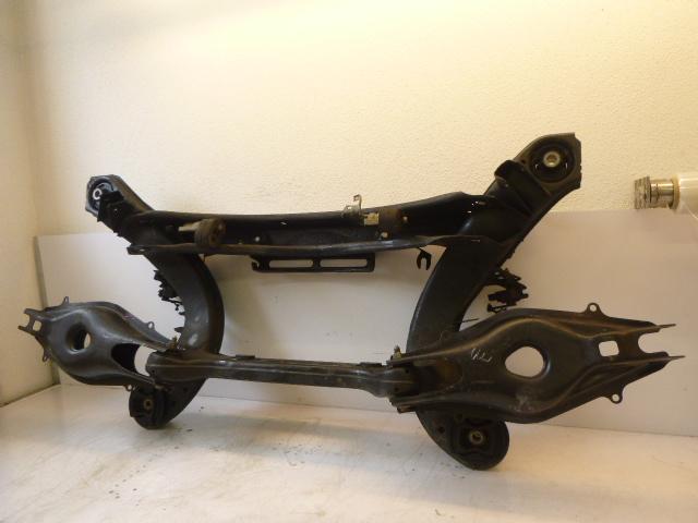 Support d'essieu Mercedes-Benz Classe E Break S212 E200 1,8 CGI 271.860 DE197254