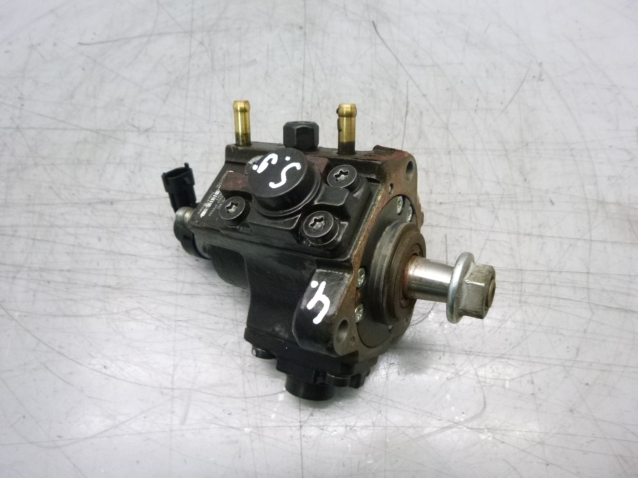 Hochdruckpumpe Cadillac Opel Saab Zafira 9-3 9-5 1,9 CDTI Z19DTH DE313451