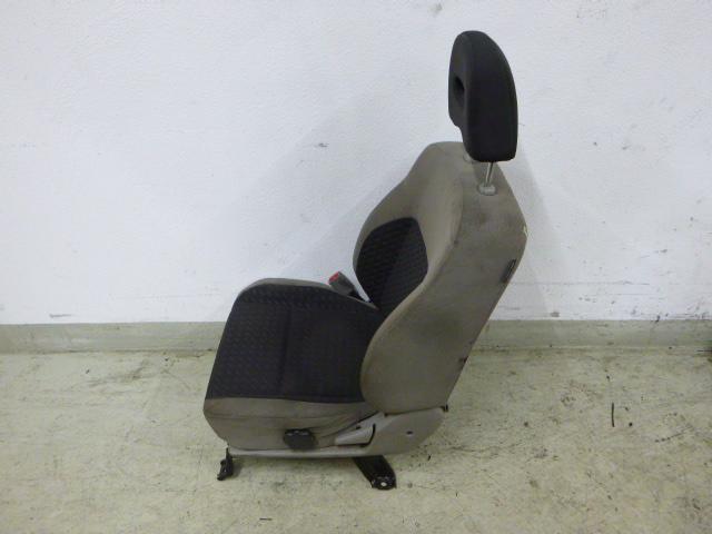 Sitz für Nissan X-Trail 2,2 dCi Diesel 100 KW YD22DDTI Fahrer DE207603
