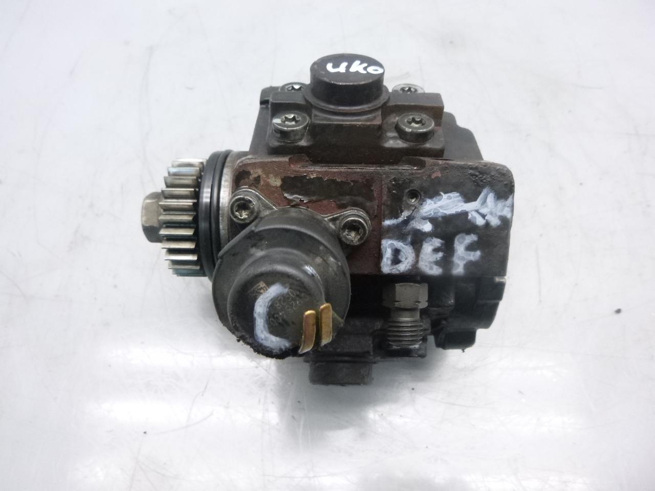 Hochdruckpumpe Opel Renault Vivaro J7 F7 E7 Trafic II 2,0 dCi M9R786 8200950493