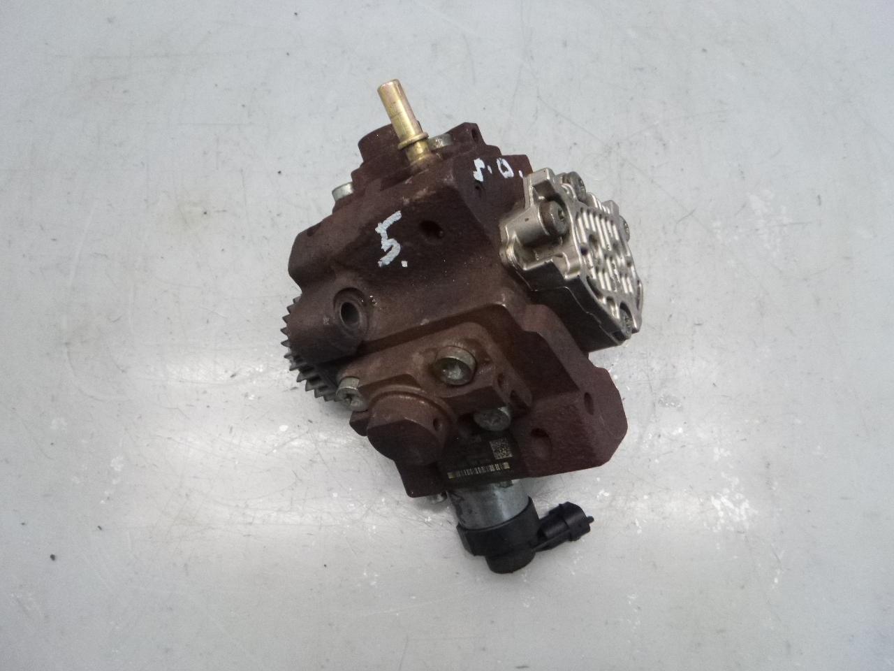 Hochdruckpumpe für Nissan Opel Renault Trafic II 2,0 dCi M9R782 0445010170 DE295178