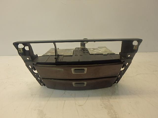 Le cadre de BMW 760 i li 6,0 Benzin N73B60A 7032886 Mittelkonsole Fach
