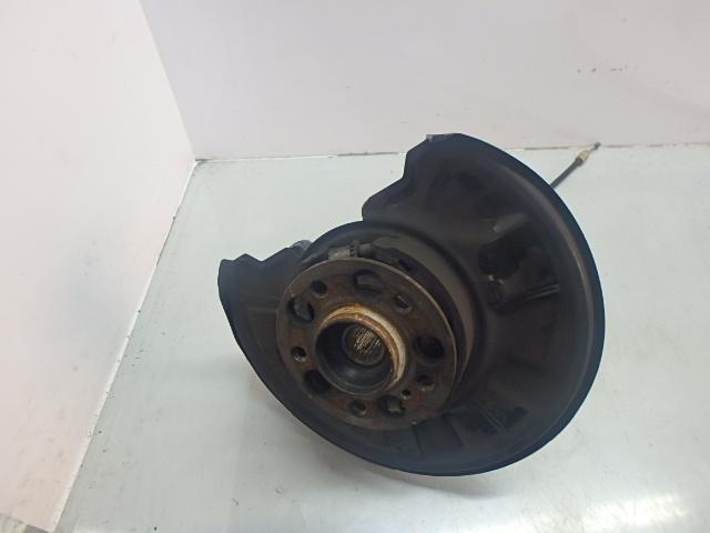 Wheel hub Mercedes Benz C220 S204 Kombi 2,2 CDI 651.911