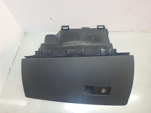 Handschuhfach Volvo V70 III BW D5 2,4 Diesel D5244T4 30676278 DE195538