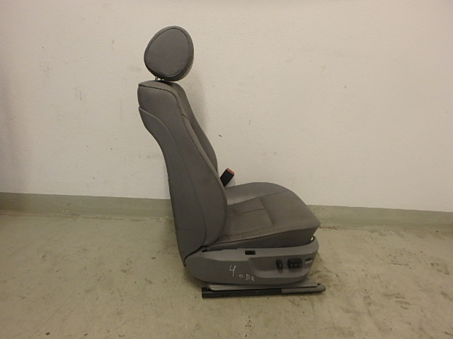 Sitz BMW 525i 5er E39 2,5 Benzin M54B25 256S5 Vorne Rechts DE195998