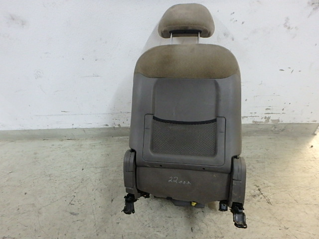Sitz Hyundai Santa Fe SM 2,4 16V G4JS-G Vorne Rechts DE218405