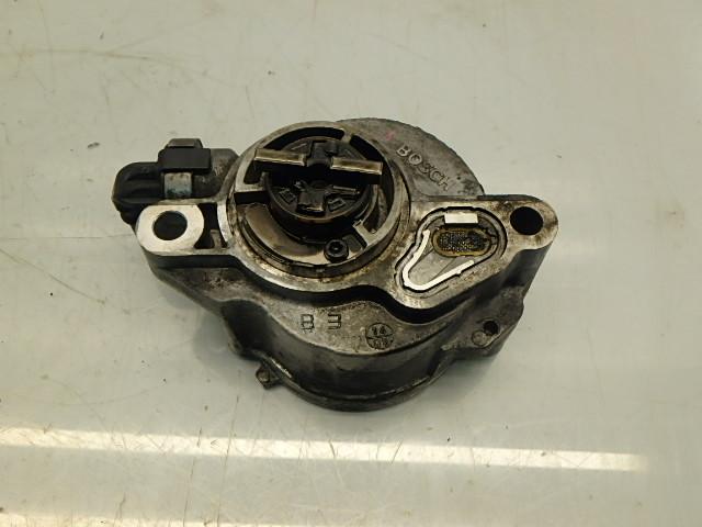 Unterdruckpumpe Ford C-Max DM2 Focus 2 II DA 1,6 TDCI G8DA D156-2B