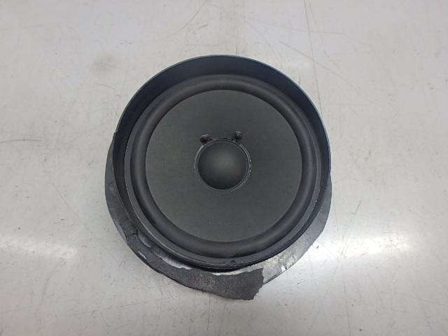 Lautsprecher Mercedes Benz E 350 CGI 3,5 Benzin 272.985 A2118207402 DE236526