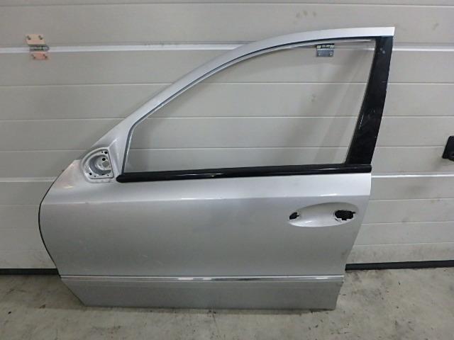 Porta Mercedes Benz E Klasse S211 350 CGI 3,5 Benzin 272.985 IT241991