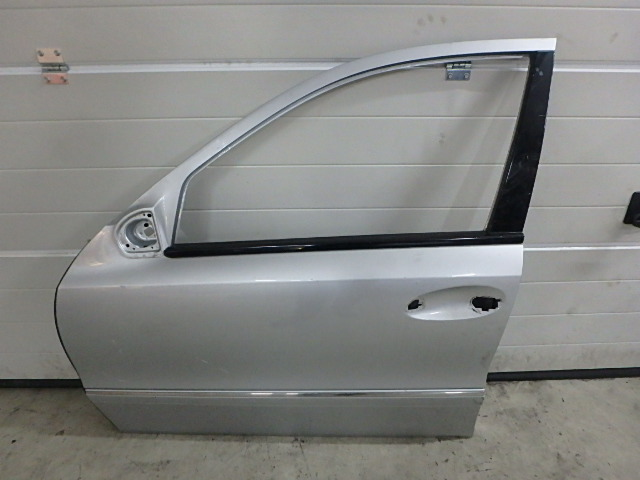 Tür Mercedes Benz E Klasse S211 350 CGI 3,5 Benzin 272.985 DE241991