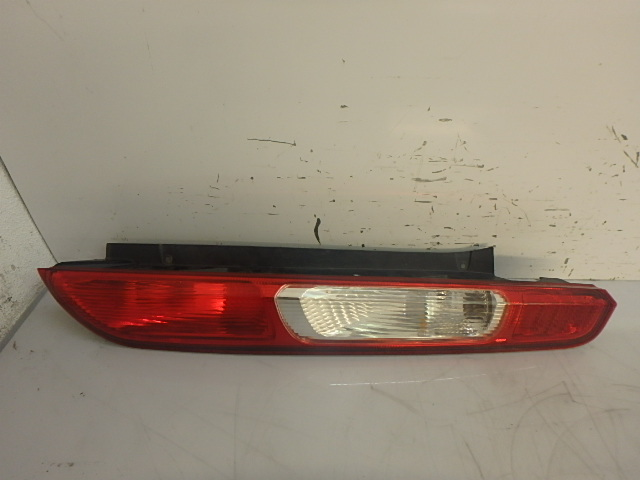Feu arrière Ford Focus II DA 2,5 ST Benzin HYDA 4M51-13404-AF Rechts FR253042