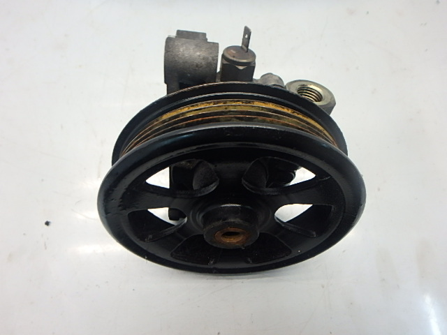 Pompe servo Mazda MX-5 III 1,8 Benzin L8-DE 64101078